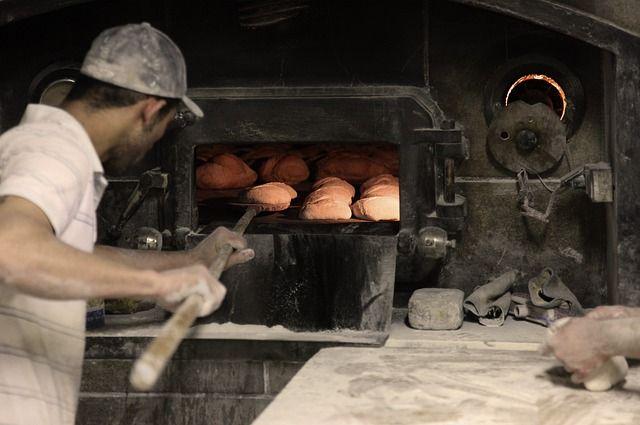Brot backen im Backofen